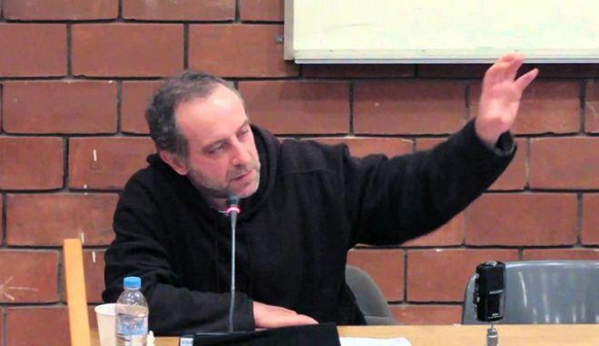 Λαπατσιώρας: Έπρεπε να επιλέξουμε την έξοδό μας στις αγορές ακόμη και με υψηλά επιτόκια, αντί των Μνημονίων