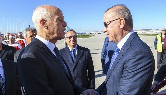Ο Ρετζέπ Ταγίπ Ερντογάν και ο Τυνήσιος πρόεδρος Καΐς Σαγιέντ στη Τύνιδα