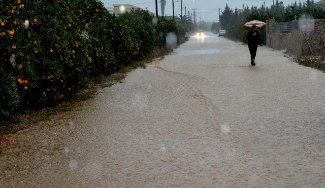 ΝΑΥΠΛΙΟ-ΠΛΗΜΜΥΡΕΣ ΣΤΑ ΧΩΡΙΑ ΠΑΝΑΡΙΤΙ ΚΑΙ ΑΡΓΟΛΙΚΟ ΤΟΥ ΔΗΜΟΥ ΝΑΥΠΛΙΕΩΝ. Πολλή ισχυρή βροχόπτωση σημειώνεται σε πολλές περιοχές της Αργολίδας από τη νύχτα της Κυριακής . Πλημμύρισαν τα χωριά Πανάριτη και  Αργολικό από το παρακείμενο ρέμα. Προβλήματα με πλημμυρισμένους δρόμους παρουσιάζονται σε πολλά σημεία του οδικού δικτύου.(Eurokinissi)