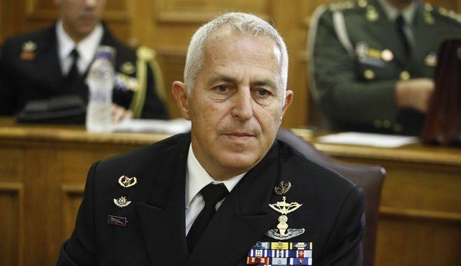 Ο αρχηγός ΓΕΕΘΑ, Ναύαρχος Ε. Αποστολάκης