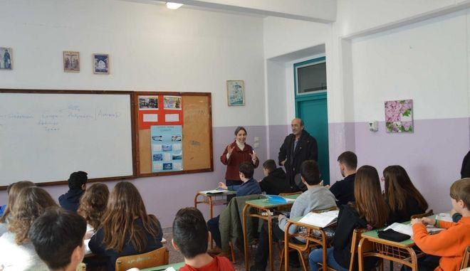 Μαθητές από τη Μεγάλη του Γένους Σχολή, το Ζωγράφειο Λύκειο και το σχολείο της Ίμβρου στη Θεσσαλονίκη