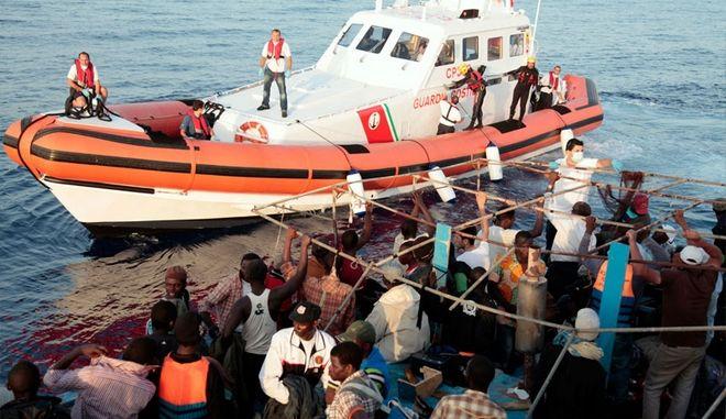 Διάσωση 26 μεταναστών στα ανοικτά της Λιβύης. 84 οι αγνοούμενοι