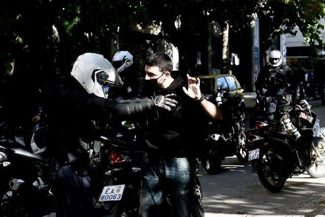 Αστυνομική επιχείρηση εκκενωσης της πλατείας Εξαρχείων ανήμερα της επετείου δολοφονίας του Αλέξη Γρηγορόπουλου.