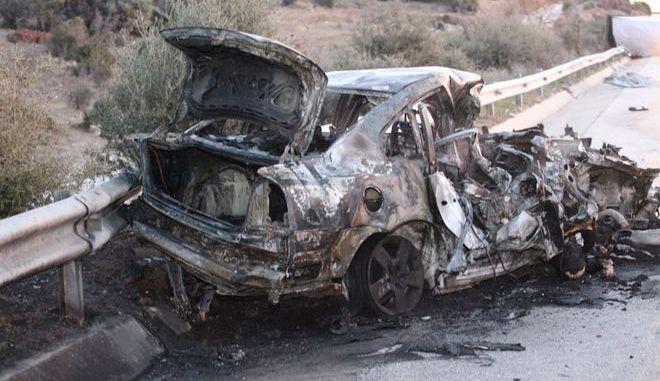 Πολύνεκρο τροχαίο στην Καβάλα: Απανθρακώθηκαν μέσα στα οχήματά τους