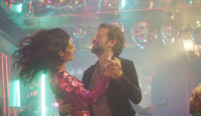 Η Τόνια Σωτηροπούλου πρωταγωνιστεί στο video clip του Κωστή Μαραβέγια