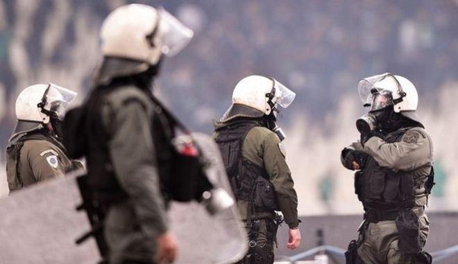 Τέσσερις συλλήψεις για τα επεισόδια στον Κόκκινο Μύλο