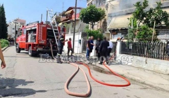 Λαμία: Μπήκε μέσα σε φλεγόμενο σπίτι και έσωσε ηλικιωμένη γυναίκα