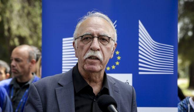 Ο υπουργός Μεταναστευτικής Πολιτικής Δημήτρης Bίτσας