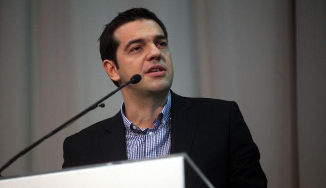 """Παρουσίαση του βιβλίου του Γιάννη Μπαλάφα, μέλους της Π.Γ. του ΣΥΝ, την Παρασκευή 7 Δεκεμβρίου 2012 στο Σινέ Κεραμεικός. """"20 χρόνια χρειάστηκαν. Το χρονικό του εγχειρήματος του Συνασπισμού"""" Για το βιβλίο μίλησαν ο πρόεδρος της Κ.Ο. του ΣΥΡΙΖΑ ΕΚΜ Αλ. Τσίπρας, ο Νίκος Κωνσταντόπουλος, πρόεδρος ΣΥΝ 1993-2004, η Σία Αναγνωστοπούλου, Ιστορικός, καθηγήτρια Παντείου Πανεπιστημίου, ενώ τον συντονισμό είχε ο δημοσιογράφος Νίκος Κιάος. (EUROKINISSI)"""