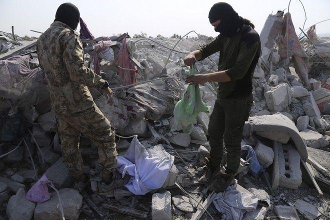 Εικόνα από την περιοχή στο Ιντλίμπ της Συρίας όπου έγινε η αμερικανική επιχείρηση με στόχο τον αρχηγό του Ισλαμικού Κράτους Μπαγκντάντι