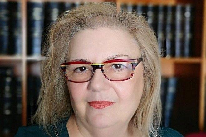 Αφροδίτη Μπλέτα, Δικηγόρος, Πρόεδρος της Ευρωπαϊκης Ένωσης Γυναικών