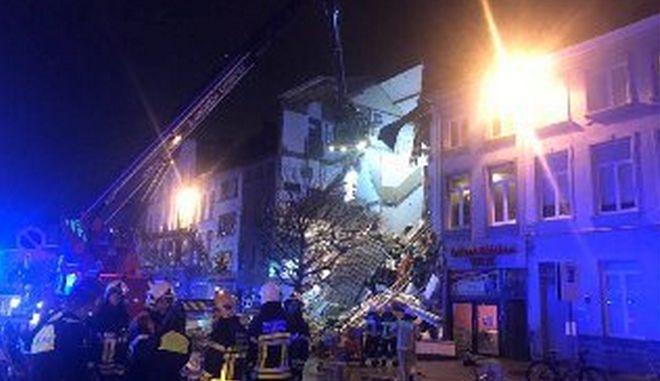 Βέλγιο: Τραυματίες και κατάρρευση κτιρίου από έκρηξη στην Αμβέρσα