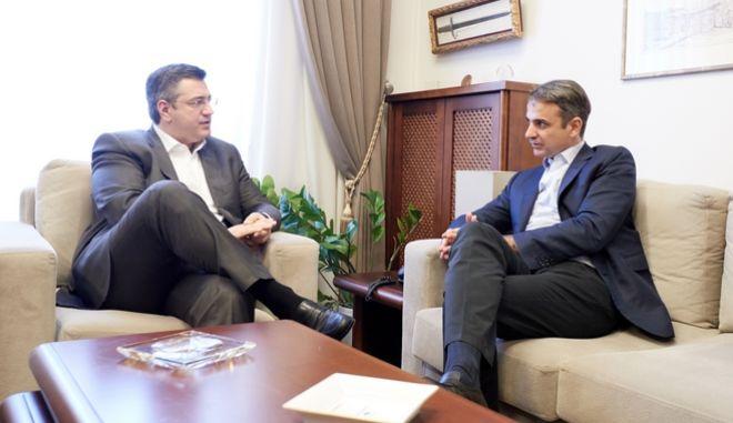 Ο πρόεδρος της ΝΔ Κυριάκος Μητσοτάκης με τον περιφερειάρχη Κεντρικής Μακεδονίας Απόστολο Τζιτζικώστα