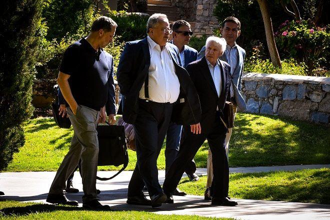 Συνάντηση του Υπουργού Εξωτερικών Νίκου Κοτζιά με τον Σκοπιανό ομόλογό του Νικόλα Ντιμιτρόφ, παρουσία του ειδικού διαμεσολαβητή του ΟΗΕ Μάθιου Νίμιτς