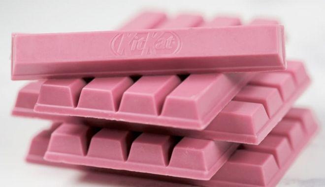 Η νέα Κιτ Κατ με το φυσικό ροζ χρώμα