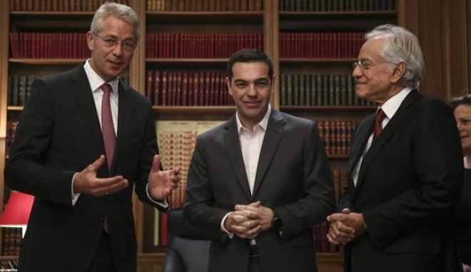 Meeting between the Prime Minister of Greece, Alexis Tsipras and the leadership of Fraport Greece at Maximos Mansion, in Athens, on April 12, 2017 /           Farport Greece,  ,  12 , 2017