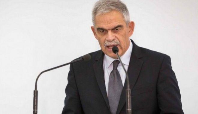 Καταγγελίες Τόσκα κατά Σφακιανάκη για πολιτική 'δημοσίων σχέσεων'