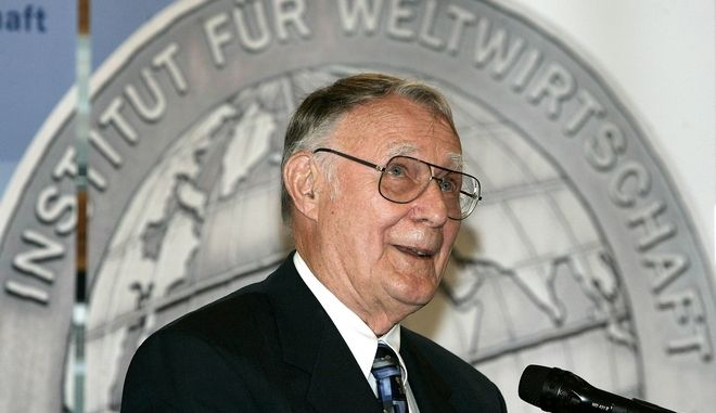 "Sweden's IKEA-founder Ingvar Kamprad delivers his speech after he was awarded with the Global Economy Prize 2007 of the ""Kiel Institute for the World Economy"" in Kiel, northern Germany, on Sunday, June 17, 2007. (AP Photo/Heribert Proepper)"