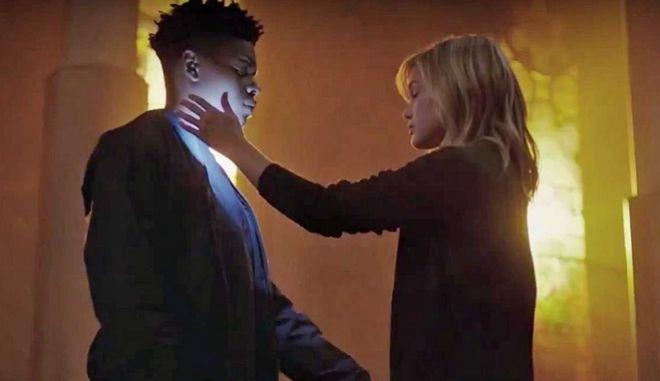 """Σκοτάδι και φως: Το νέο τρέιλερ του """"Cloak and Dagger"""" είναι εδώ"""