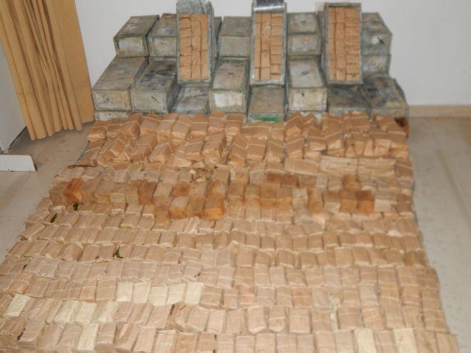 Κρήτη: Φορτηγό μετέφερε 4 καλάσνικοφ και πάνω από 122.000 σφαίρες