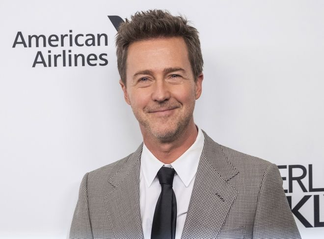 O Edward Norton