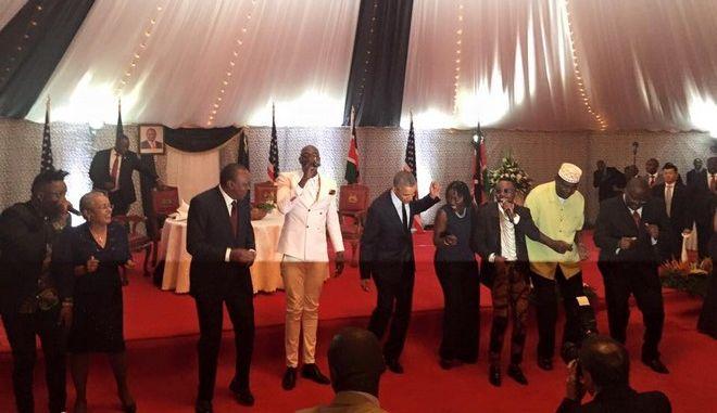 Βίντεο: Ο χορός του Ομπάμα στην Κένυα