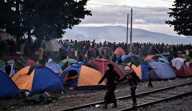 Πολίτες προς αυστριακή κυβέρνηση: Μας ντροπιάζετε με την ανάλγητη πολιτική στο προσφυγικό