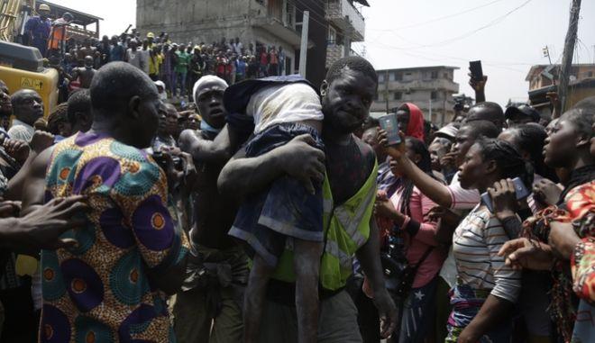 Πολλοί νεκροί από την κατάρρευση σχολείου στη Νιγηρία
