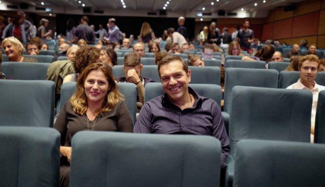 Ο Τσίπρας πήγε σινεμά και είδε Κεν Λόουτς