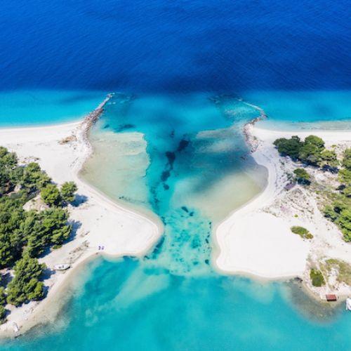 Παραλία στην Κασσάνδρα Χαλκιδικής