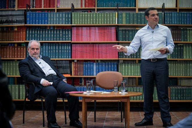Ο Πρωθυπουργός, ΑλέξηςΤσίπρας, κατα την επίσκεψή του στο Εθνικό Κέντρο Έρευνας Φυσικών Επιστημών