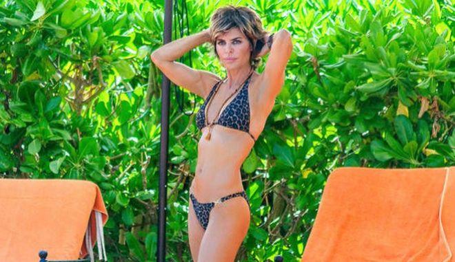 Γυμνή η Lisa Rinna: Είναι 53 ετών, αλλά 'δεν δίνει δεκάρα'
