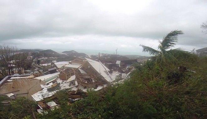 Αναβαθμίστηκε και απειλεί ο τυφώνας Χοσέ. Χάος στην Καραϊβική από την φονική Ίρμα