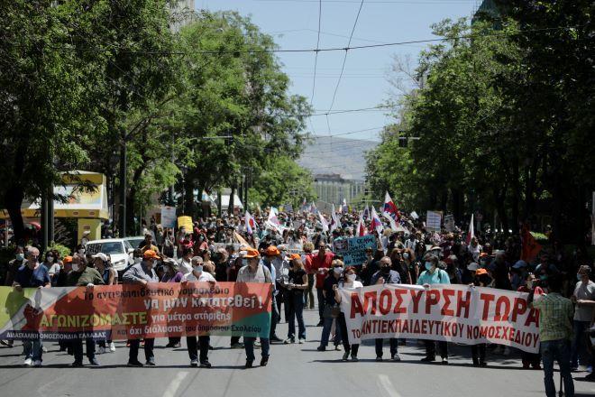 Απομονωμένη η κυβέρνηση στο νομοσχέδιο για τις διαδηλώσεις