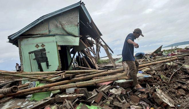 Καταστροφές από το τσουνάμι στην Ινδονησία
