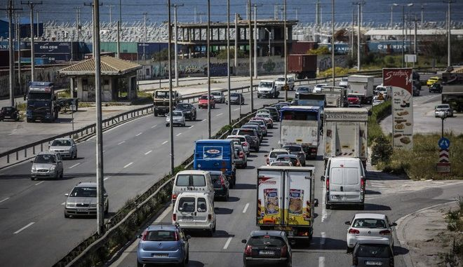 Εικόνα από την εθνική οδό Αθηνών -Κορίνθου - Φωτό αρχείου