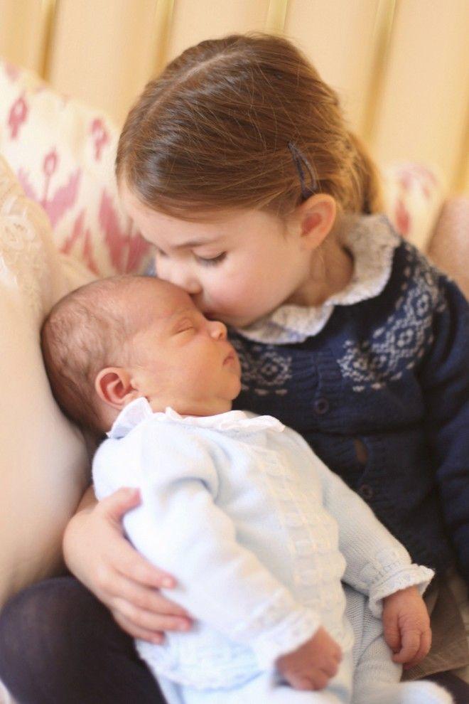 Ο πρίγκιπας Λούι με την αδελφή του Σάρλοτ