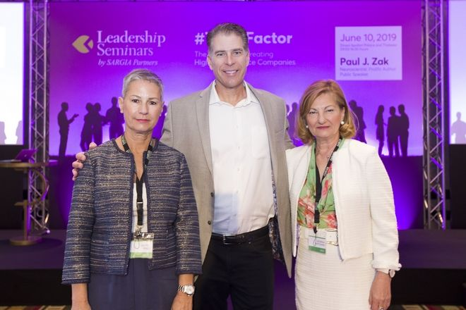 Gerty Phili, Leadership coach στη Sargia Partners, Paul J. Zak και Γεωργία Καρτσάνη ιδρυτής της Sargia Partners και Leadership Transformation Coach