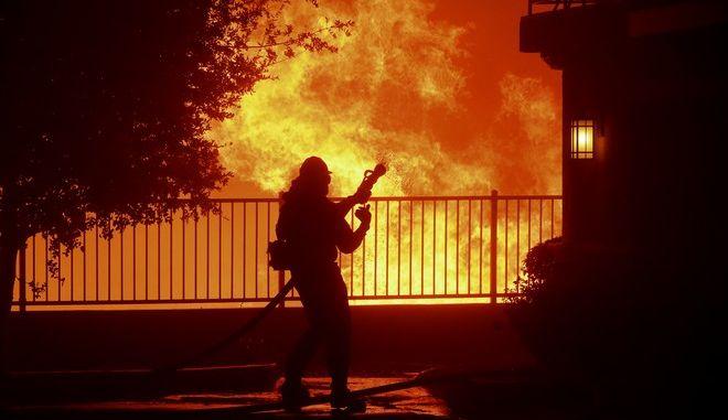 Από τις πυρκαγιές στην Καλιφόρνια