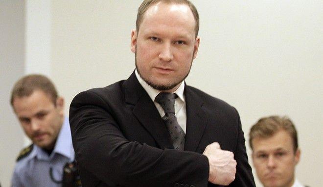 Ο Νορβηγός μακελάρης, Άντερς Μπρέιβικ στην αίθουσα του δικαστηρίου