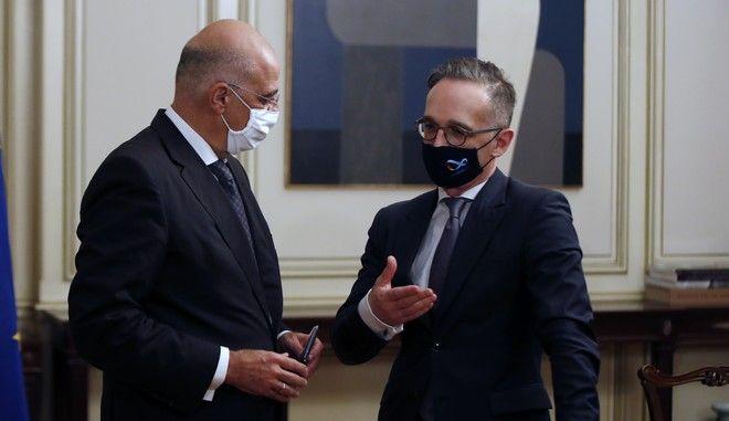 Ο Νίκος Δένδιας σε συνάντηση με τον Χάικο Μάας