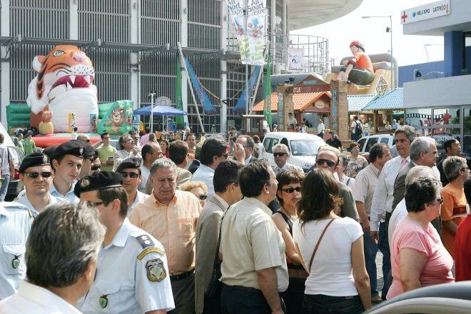Μια εικόνα από το μακρινό 2005, όταν στην 71η Διεθνή Έκθεση Θεσσαλονίκης ο κόσμος συνέρρεε κατά χιλιάδες στα περίπτερα των εκθετών.