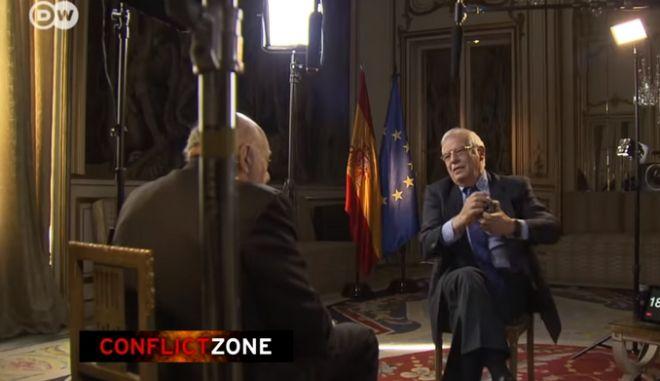 Έξαλλος ο Ισπανός Υπουργός Εξωτερικών, διακόπτει on air συνέντευξή του