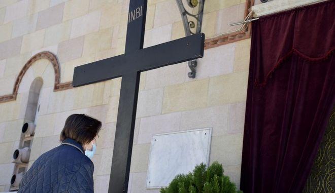 Κλειστές για τους πιστούς οι εκκλησίες λόγω κορονοϊού