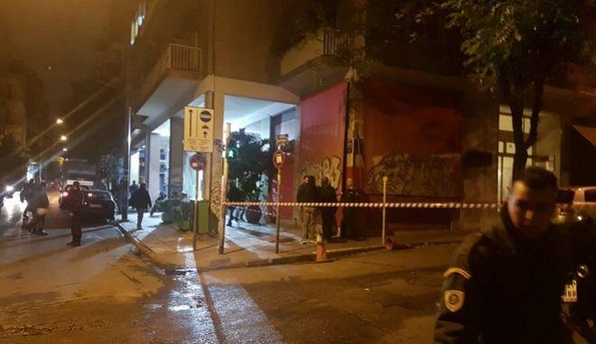 Επίθεση στα γραφεία του ΠΑΣΟΚ: Στόχος ο σκοπός της διμοιρίας των ΜΑΤ λέει η ΕΛΑΣ