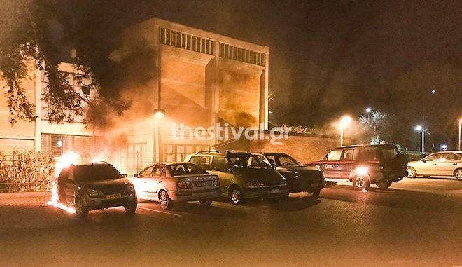 Θεσσαλονίκη: Πυρπόλησαν αυτοκίνητα του υπουργείου Πολιτισμού