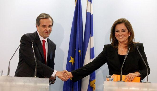 Την συνεργασία με την Νέα Δημοκρατία ανακοίνωσαν ο πρόεδρος του κόμματος, Αντώνης Σαμαράς και η Ντόρα Μπακογιάννη, την Δευτέρα 21 Μαΐου 2012. (EUROKINISSI // ΓΙΩΡΓΟΣ ΚΟΝΤΑΡΙΝΗΣ)
