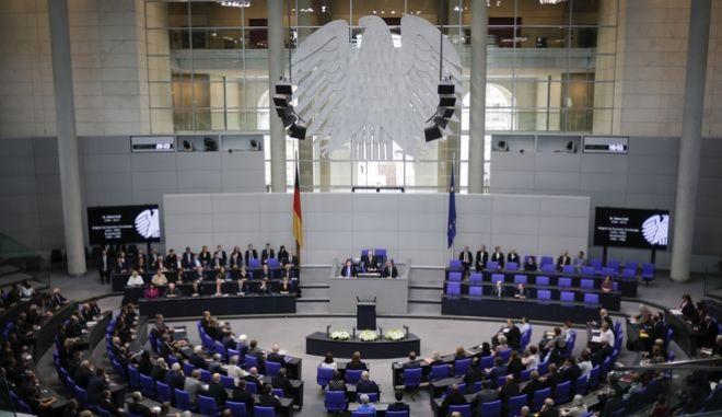 Οι μισοί Γερμανοί θέλουν πρόωρες εκλογές