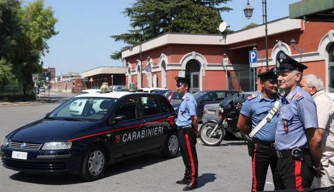 Identificata dai Carabinieri della locale stazione di Casoria (Napoli) la banda di teppisti minorenni che seminava il terrore sui treni regionali, 28 agosto 2015. ANSA/CESARE ABBATE