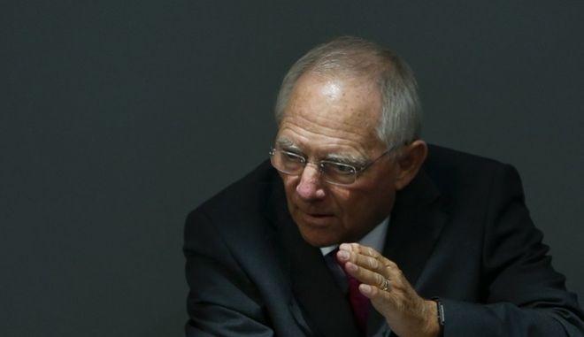 Γερμανικός Τύπος: Κίνηση τακτικής οι δηλώσεις Σόιμπλε περί ΔΝΤ